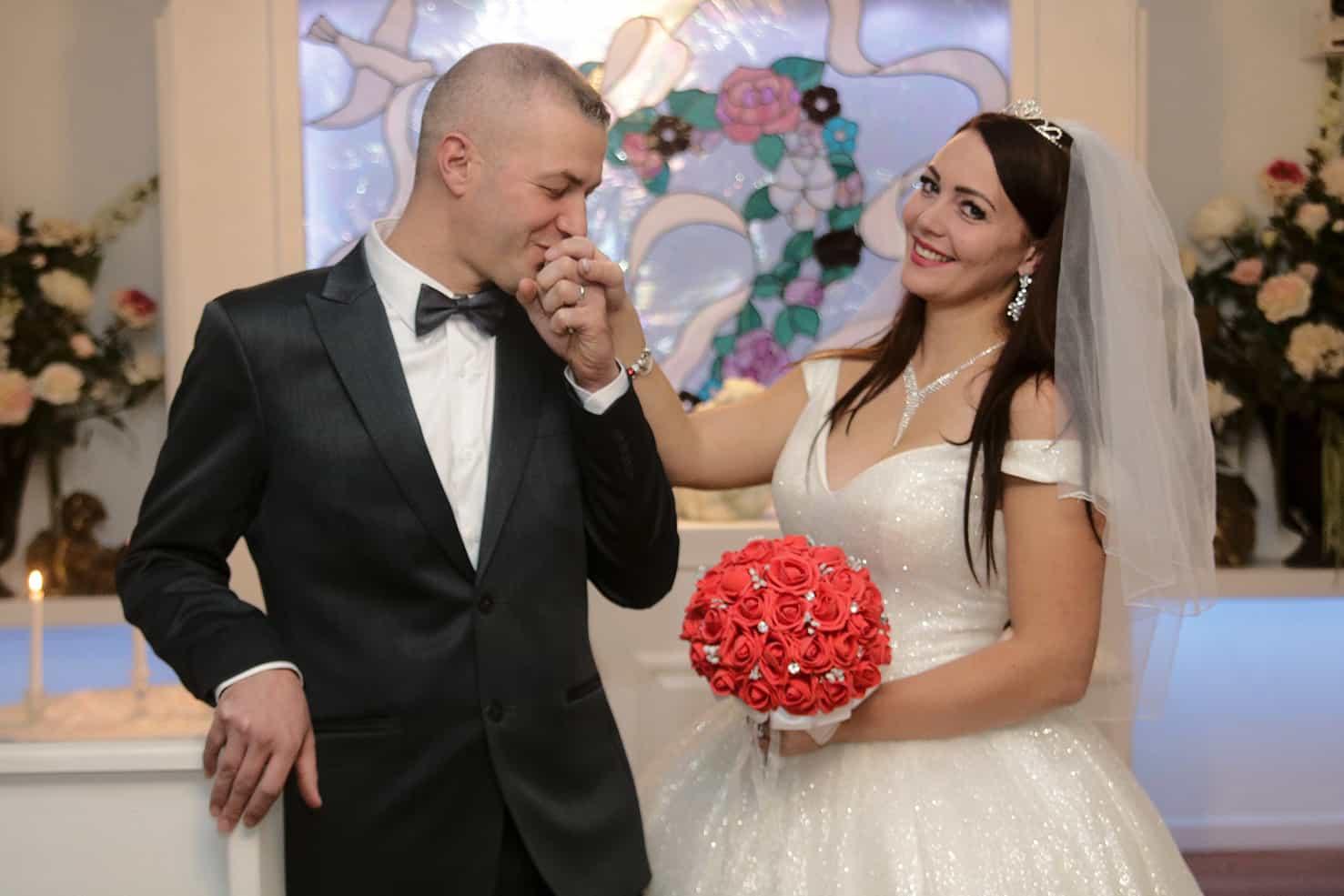 Beautiful Wedding Packages Las Vegas Cupids Wedding Chapel